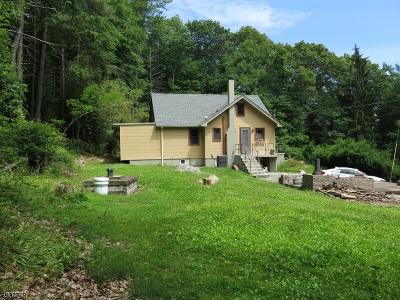 Passaic County Single Family Home For Sale: 39 Snake Den Rd