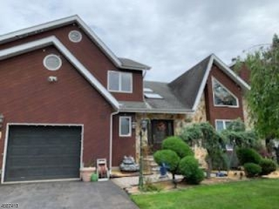 Wayne Twp. Single Family Home For Sale: 86 Garside Ave