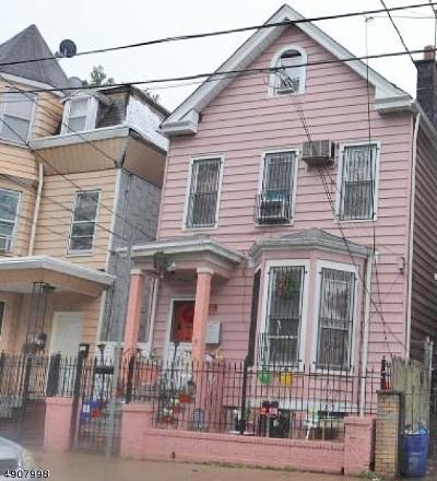 Newark City Multi Family Home For Sale: 160 Garside St