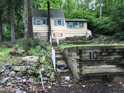 Byram Twp. Single Family Home For Sale: 10 Cranberry Ledge Rd