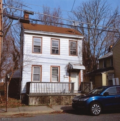 Single Family Home For Sale: 47 Olive St