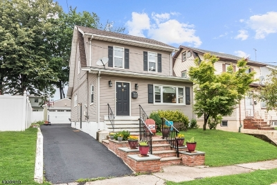 Maplewood Twp. Single Family Home For Sale: 64 Revere Ave