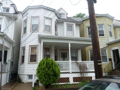 Paterson City Single Family Home For Sale: 367 E 30th St