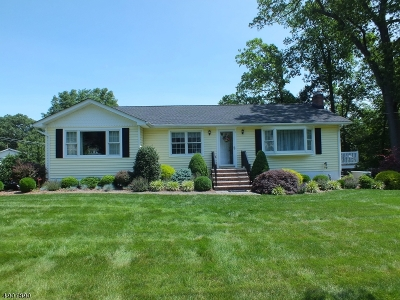 Hanover Twp. Single Family Home For Sale: 1 Cove Ln Rd