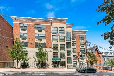 Morristown Town, Morris Twp. Condo/Townhouse For Sale: 7 Prospect St 506 #506