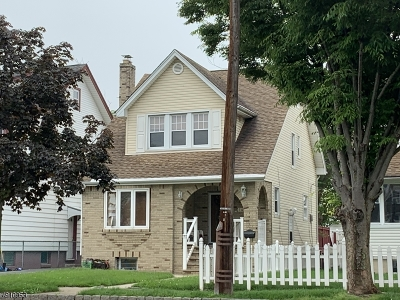 Bloomfield Twp. Single Family Home For Sale: 145 Ampere Pky