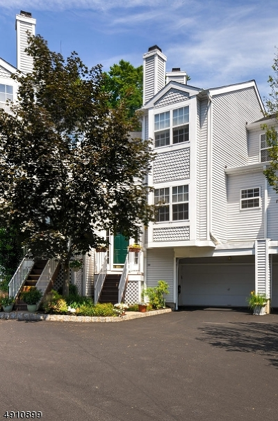 Hanover Twp. Condo/Townhouse For Sale: 1309 Grandview Ct