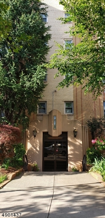 Newark City Condo/Townhouse For Sale