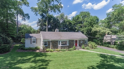 Wyckoff Twp. Single Family Home For Sale: 697 Terrace Hts
