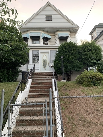 Newark City Single Family Home For Sale: 774-776 Clifton Ave
