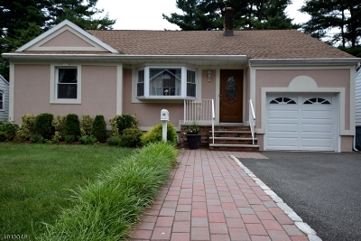 Springfield Twp. Single Family Home For Sale: 84 Kew Dr