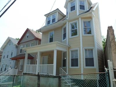 Newark City Single Family Home For Sale: 72 Halleck St