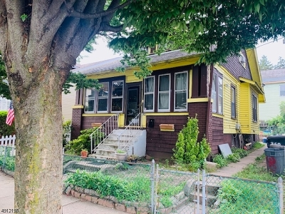 Single Family Home For Sale: 360-362 9th Ave