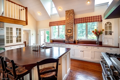 Bernardsville Boro NJ Single Family Home For Sale: $895,000