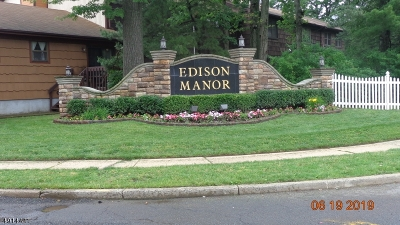 Edison Twp. Condo/Townhouse For Sale: 606 Merrywood Dr