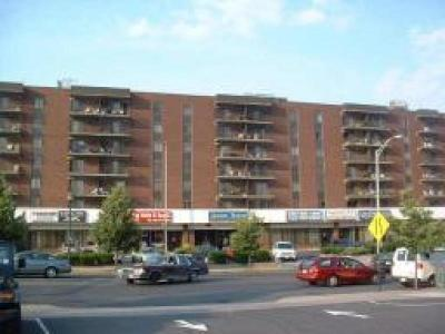 Linden City Condo/Townhouse For Sale: 10 N Wood Ave Unit 704 #711