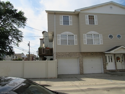 Passaic City Condo/Townhouse For Sale: 44 Van Winkle Ave