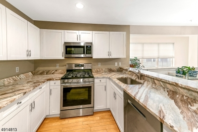 Clifton City Condo/Townhouse For Sale: 85 Mayer Dr