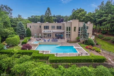 Franklin Lakes Boro Single Family Home For Sale: 718 Clove Ln