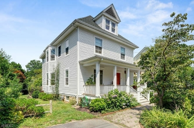 South Brunswick Twp. Single Family Home For Sale: 9 Academy St