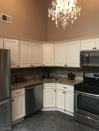 Somerset County Condo/Townhouse For Sale: 3002 Doolittle Dr