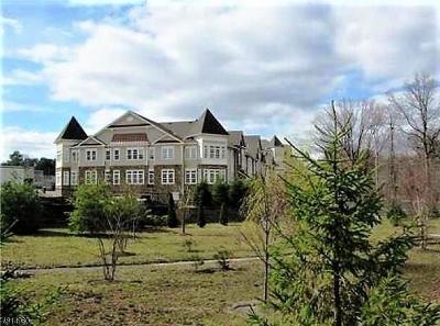 East Brunswick Twp. Condo/Townhouse For Sale: 5104 Cedar Village Blvd
