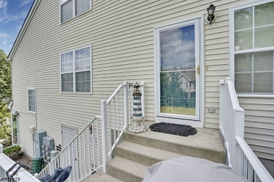 Randolph Twp. Condo/Townhouse For Sale: 601 Wendover Ct #601