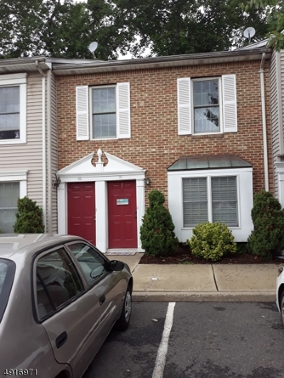 Newark City Condo/Townhouse For Sale: 111 Tiffany Blvd