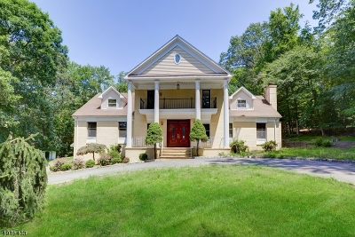 Wayne Twp. Single Family Home For Sale: 21 Shoshone Trl