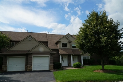 Hardyston Twp. Condo/Townhouse For Sale: 68 Clubhouse Rd