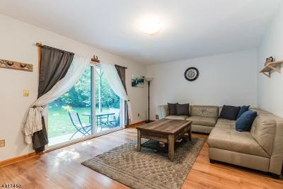 Glen Gardner Boro, Hampton Boro Condo/Townhouse For Sale: 2111 Spruce Hills Dr
