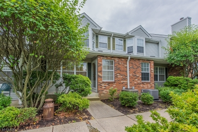 Hanover Twp. Condo/Townhouse For Sale: 2504 Cortland Ln