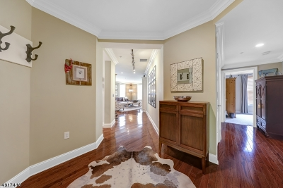 Livingston Twp. Condo/Townhouse For Sale: 1304 Town Center Way #1304
