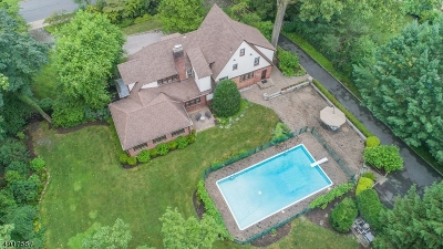 Montclair Twp. Single Family Home For Sale: 35 Stonebridge Rd