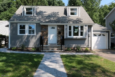 Union Twp. Single Family Home For Sale: 812 Pinewood Rd