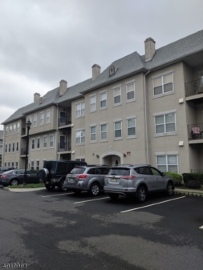 Wayne Twp. Condo/Townhouse For Sale: 322 Brittany Dr