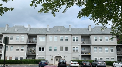 Wayne Twp. Condo/Townhouse For Sale: 722 Brittany Drive