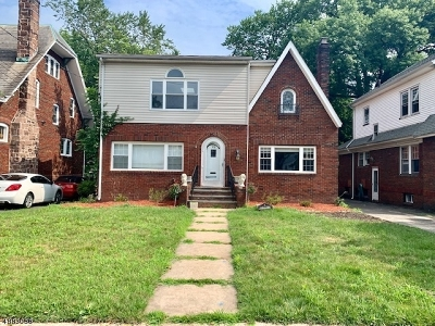 Maplewood Twp. Single Family Home For Sale: 29 Ball Ter
