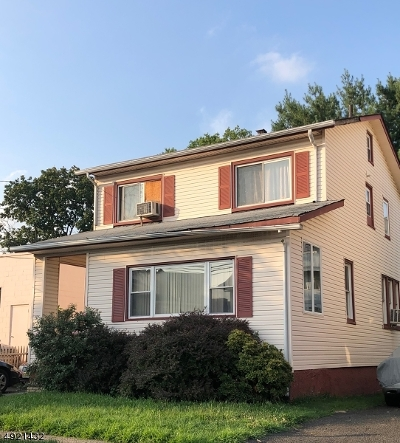 Passaic City Single Family Home For Sale: 130 Howard Ave