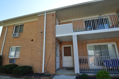 Parsippany-Troy Hills Twp. Condo/Townhouse For Sale: 2350 Route 10-B22