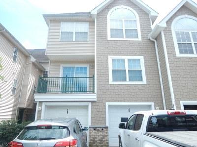 Montgomery Twp. Condo/Townhouse For Sale: 106 Tomahawk Ct