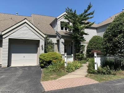 Hardyston Twp. Condo/Townhouse For Sale: 25 Harker Hill Dr #25
