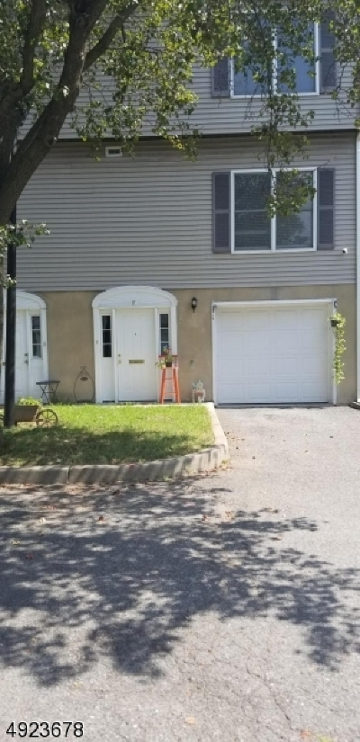 East Orange City NJ Condo/Townhouse For Sale: $155,000