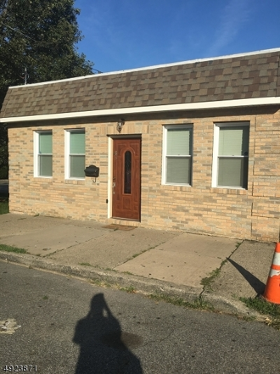 Clifton City Single Family Home For Sale: 55 Sade St