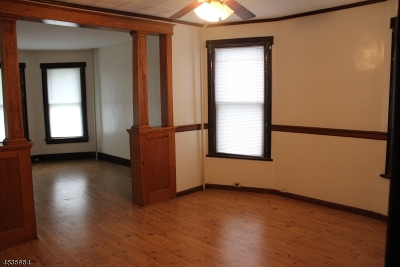 Warren County Single Family Home For Sale: 22 N Jackson Ave