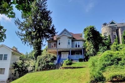 Passaic County Single Family Home For Sale: 107 Westervelt Pl