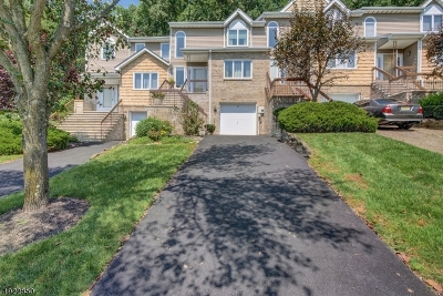 Parsippany-Troy Hills Twp. Condo/Townhouse For Sale: 54 Edgefield Drive