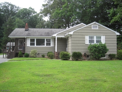 Parsippany-Troy Hills Twp. Single Family Home For Sale: 81 Bell Rd