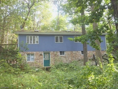 Byram Twp. Single Family Home For Sale: 9 Panther Pass