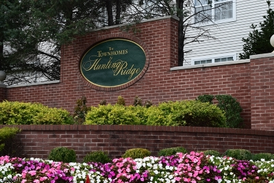 Parsippany-Troy Hills Twp. Condo/Townhouse For Sale: 42 Gordon Cir